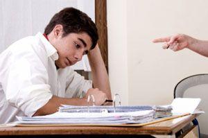 Конфликт ученика с учителем.