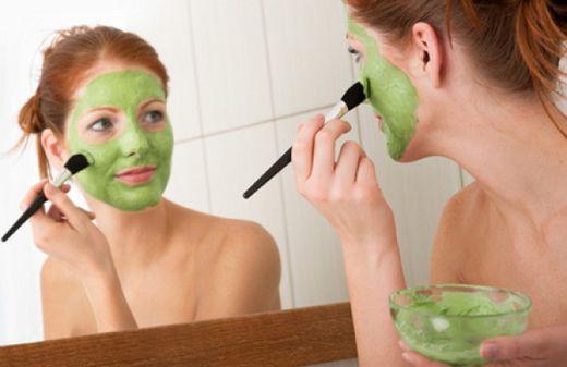 Домашние очищающие маски для лица из трав