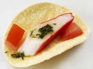 Рыба и морепродукты на чипсах