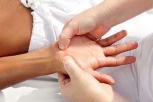 Онемение пальцев и кистей рук. Массаж