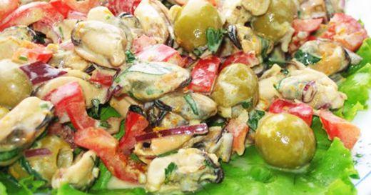 Салат с мидиями рецепт с фото очень